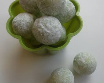 Gin & Tonic Flavoured White Chocolate Truffles - Assorted Pack Sizes 2-12 Pieces