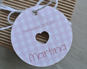 Favor tag pictures with openwork heart