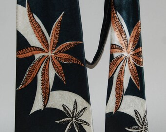 1940s-'50s era Swing Necktie in a bold Floral Pattern -- Free Shipping!