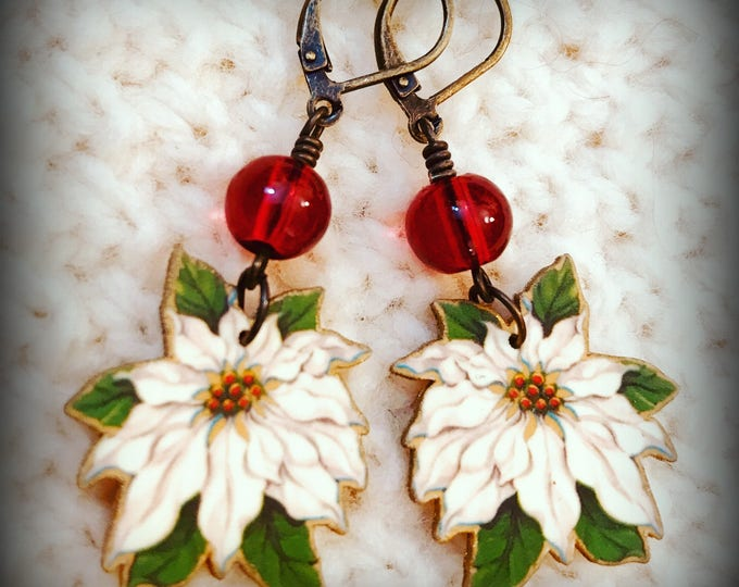 Poinsettia - Poinsettia Earrings - White Poinsettia - Kitsch Earrings - Vintage Kitsch - Vintage Illustrative Jewelry - Shrink Plastic Art