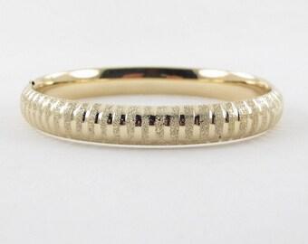 """10k Yellow Gold Bangle Bracelet 7 3/4"""" 14.4 grams"""