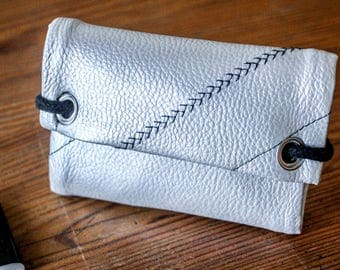 Tobacco pouch in faux silver embroidered