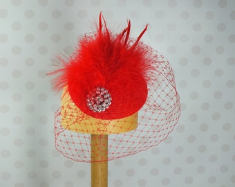 Poppy Red Birdcage Veil Fascinator Crystal brooch Feather Mount Races netting Wedding hair comb net vintage retro