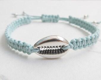 Shell bracelet, macrame bracelet, cowrie shell, summer bracelet