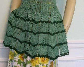 1940s Apron Crochet Half Chevron Green Kitchen
