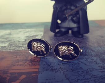 Dire Wolf House Stark Game of Thrones cufflinks Men's silver plated cufflinks with wolf Decoration.