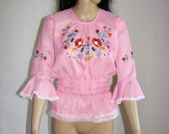 Peasant BLOUSE embroidered FOLK pink and white lace trim shirt women VINTAGE