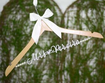 Bridesmaids Gifts, Personalized Wedding hanger, Bridal Hanger, Custom Hanger Bachelorette, Gift for Bridal Party, Lingerie Shower vet0011