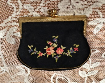 1940s French Black Silk Floral Embroidered Change Purse, Kiss Clasp Embroidered Purse, Black Silk Change/Coin Purse