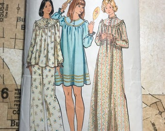 Vintage Pajama Pattern Butterick 5745 B5745 Size Large L 16 18 Nightie Night Gown Womens 70s 1970s Short Long PJS Top Bottoms Loose Trim