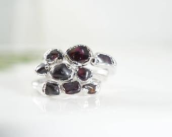 Raw Garnet Ring • January Birthstone • Triple Stone Ring •Raw Gemstone Ring •Wife Gift • Gift for Mom • Stackable Rings • Simple Ring