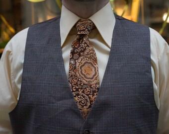 Vibrant Unique Paisley-esque Pattern Neck Tie