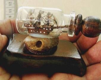 Galeon Antiguo pequeño, Barco miniatura en botella, Coleccion Regalos para Marineros, Regalo para Hombres , Decoracion Oficinas de Hombres