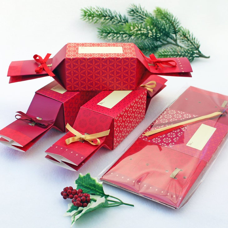 Make up fill your own Christmas cracker gift boxes stocking fillers tree deco 6 Christmas Crackers ...