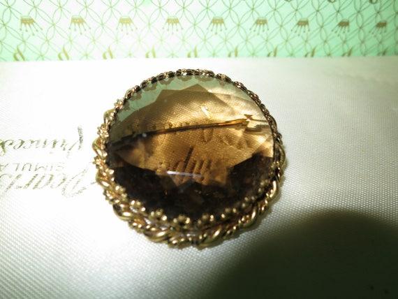 Beautiful vintage gold metal smoky topaz glass brooch