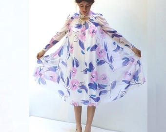 Virginie 1970s Loose fitting abstract floral dress S-M