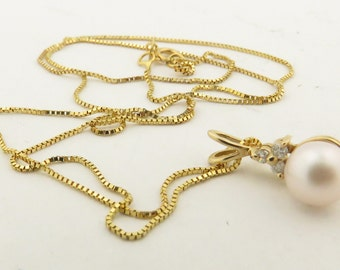 "14 kt Gold Natural Freshwater Pearl & 3 Diamond 18"" Box Chain Pendant."