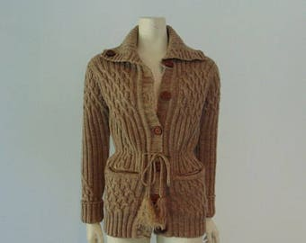 Vintage 70s Beige/Tan Irish CABLE KNIT cardigan sweater with wood buttons size small