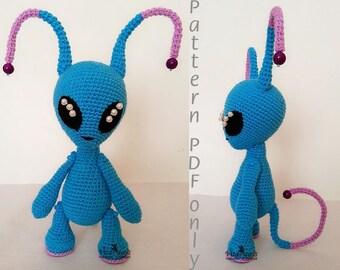 Crochet Pattern of Cute Alien Boy (Amigurumi tutorial PDF file) Cute Alien toy monster pattern amigurumi handmade toy
