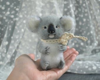 Needle felted koala felt tiny animals Wool Felt miniature felted animal felting miniatures Woolen sculpture Cute koala Needle felting Gift