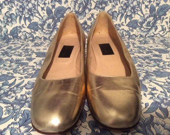 Vintage golden pumps/ Party,prom, wedding