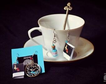 Themed earrings * Alice in wonderland * (Type 1-2 Type)