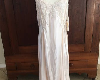 L /  Nightgown and Robe in Soft Pink / Large
