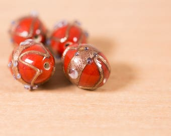 4 count of 16mm vintage sanguine red mauve copper sand dust round oval wedding cake lampwork