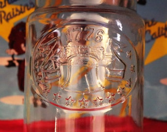 Vintage Maxwell House Anchor Hocking Glass Jar w/Spirit of 1776 Pic Etched On