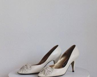 Vintage Off White Pom Pom Heels 7