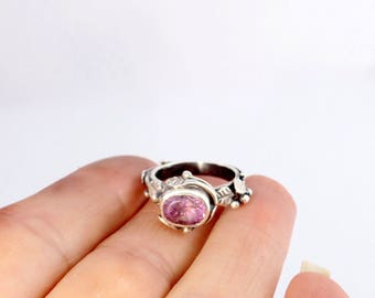 Amethyst leaf ring - Botanical jewelry - Hand forged ring - Sterling silver ring - Promise ring - Alternative engagement ring - silver