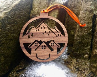 Wooden Christmas Tree Decoration - Mountain Chalet Lodge - Christmas Ornament - Xmas Decoration - Stocking Filler - Skiing/Snowboarding