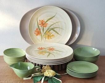 Vintage Melamine Dinnerware Mid Century Picnic Plastic 26 Piece Set for 6 Avocado Green Melmac Set