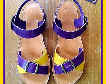 Leather sandals in cowhide.
