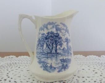 Very nice jug / pitcher - Alfred Meakin - Staffordshire England - pattern Edinburgh / Edinburgh Pattern - white and blue - Vintage