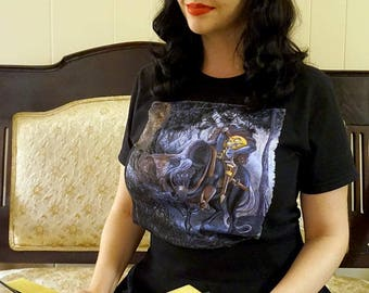 Headless Horseman Shirt, Sleepy Hollow Shirt, Halloween Shirt, Spooky Shirt, Book lover, book art, bookworm for her, book reader gift, scary