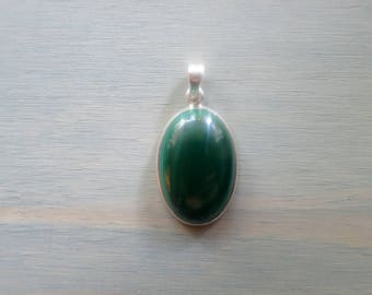 Green Malachite Oval pendant in Sterling Silver