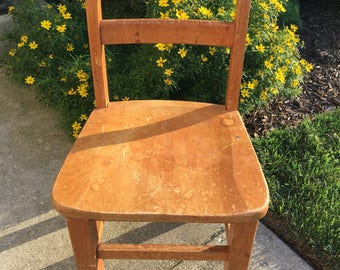 Child's Chair ~ Small Wood Chair ~ Play Table Chair ~ Vintage Wood Chair ~ Toddler Chair ~ Kid's Chair ~ Small Desk Chair