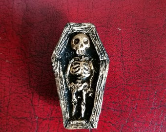 Skelly Brooch Black and Gold