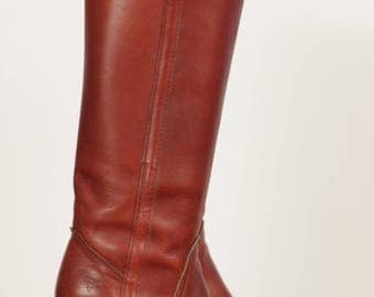 Vintage 1980's Frye High-Heeled Western Mid-Calf Boots 6.5B in Cranberry-tinted Brown Leather