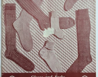 Paton's Socks and Gloves knitting pattern book C. 11 - vintage patterns for toddlers, boys, girls, men and ladies