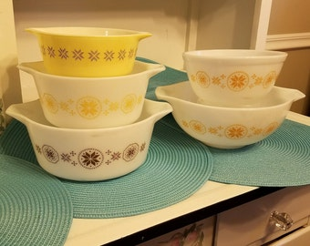 VINTAGE PYREX  5 pieces Town & Country pattern