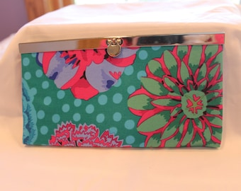 Flowered women's wallet, Diva frame, Gift for her, Credit card holder, Zippered coin pocket, Cell phone pocket, Gift, Clutch purse
