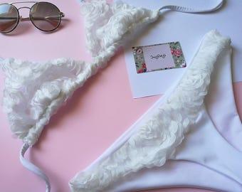 Bikini Marilyn Roses White