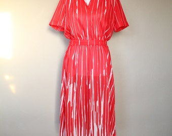 1970s Vintage Red and White Abstract Pattern Summer Dress