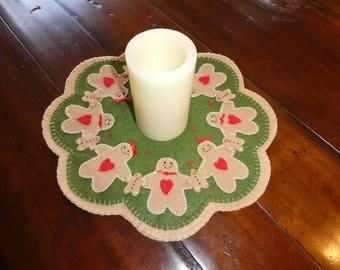 Gingerbread, holiday decor, table top decor, Christmas, wool blend felt, candle mat, wool candlemat, housewarming gift, doilie
