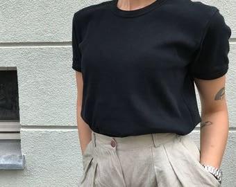 Hez Berlin – Vintage Women's Levis Black Basic TOP M Size 100% Cotton Classic Levis Simple T-shirt Black Baumwolle Top