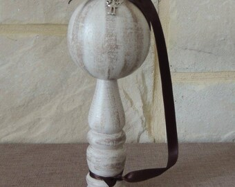 Antique French Bilboquet beige and taupe with Ribbon