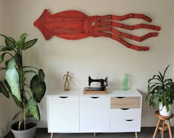 Giant squid pallet wood