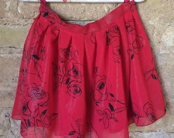 Red skirt for girls, Skirt with faltes, skirt for toddler, red and black skirt, red skirt for toddler, back to school skirt, Shiny skirt